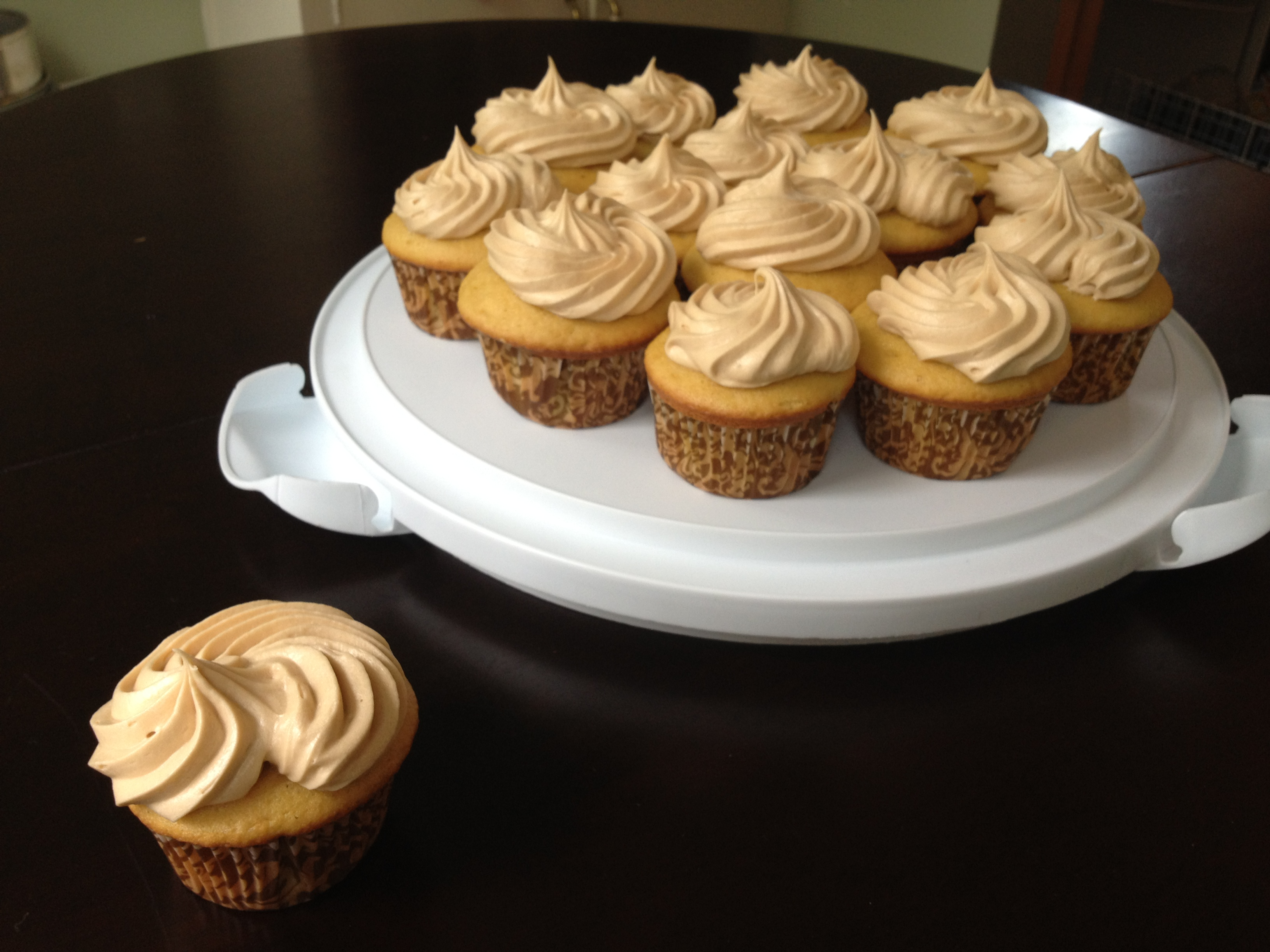 pbr cupcakes with vegan buttercream frosting chocolate buttercream ...