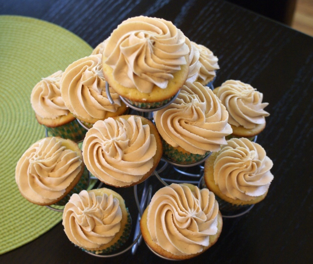 Peanut Butter and Jelly Cupcakes from Hoping in God